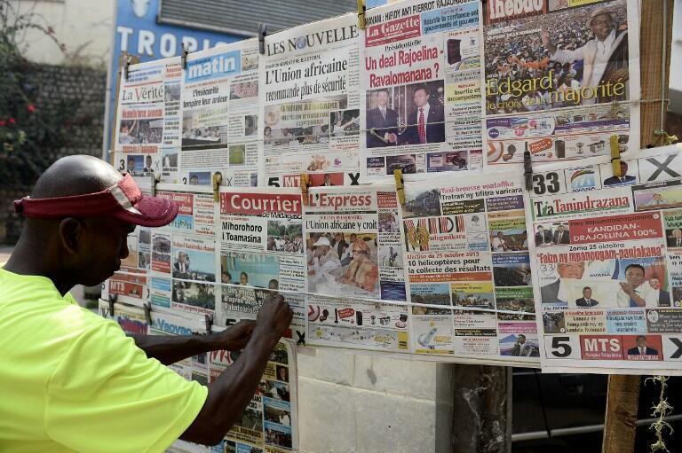 Un kiosque à journaux d'Antananarivo (illustration).