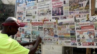 Un kiosque à journaux d'Antananarivo.