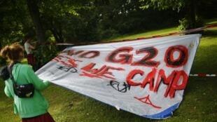 Антиглобалисты уже разбили совй лагерь под Гамбургом.