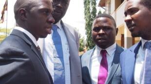Wanasiasa wa upinzani nchini Uganda Muhammad Nsereko na  Allan Sewanyana