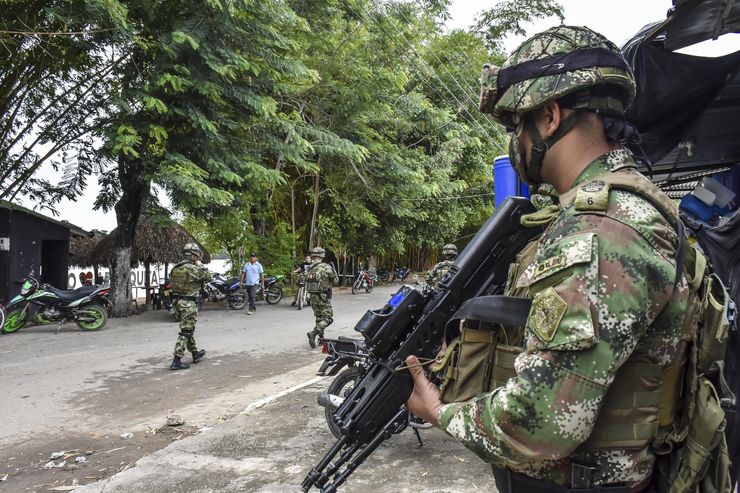 Despite a landmark peace deal, dissident FARC guerrillas and another leftist rebel group called the National Liberation Army (ELN) have continued to fight with Colombian troops in a multi-faceted conflict that also involves drug-traffickers and right-wing militias