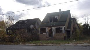 A Détroit, on ne compte plus les maisons abandonnées quant elles ne sont pas brulées par les dealers.