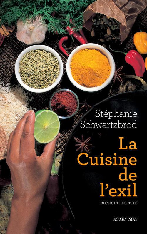 Stéphanie Schwarzbrod rapporte les récits et témoignages de 25 personnes exilées en France dans son livre «La cuisine en exil».