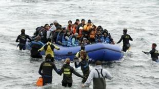 Frontex, shirika linalojihusisha na ulinzi wa mipaka ya nje ya EU, linathibitisha kwamba idadi ya wakimbizi walioowasili Ugiriki mwezi Aprili imepungua  kwa 90%.