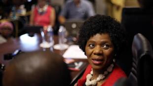 La médiatrice de la République Thuli Mandosela, le 14 octobre, à Pretoria, avant la dernière conférence de presse.