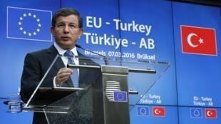 Le Premier ministre turc sortant, Ahmet Davutoglu à Bruxelles, le 7 mars 2016.