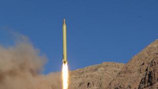Tir d'un missile balistique dans les montagnes d'Alborz au nord de l'Iran, le 9 mars 2016.