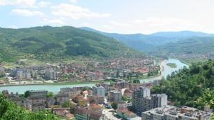 L'enclave musulmane historique de Gorazde n'est reliée à Sarajevo que par un long corridor de 100 kilometres qui traverse toute l'entité serbe. ©velina