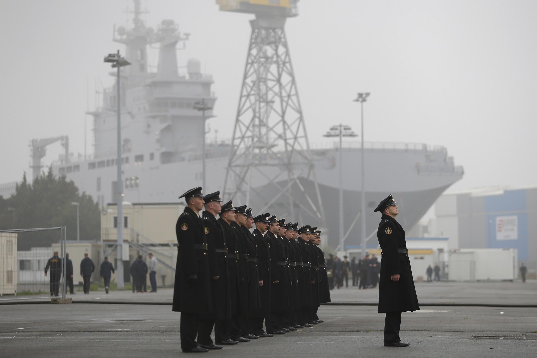 Russian sailors near the Vladivostok in the port of Saint-Nazaire, 25 November 2014.
