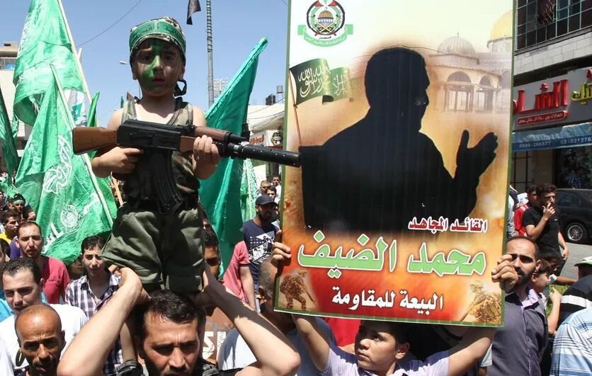 هیچ عکس معتبری از محمد ضیف در دست نیست