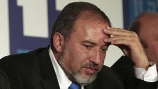 Avidgor Lieberman, chef d'Israel Beitenou, n'est pas inquiété dans l'affaire qui touche plusieurs cadres de son parti.