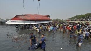 Nauvrage d'un bateau au Bangladesh