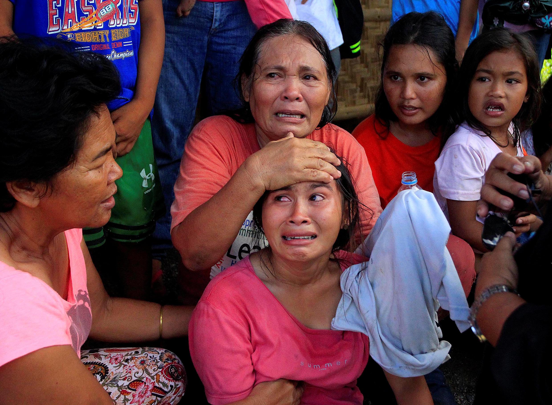 Người dân Pigcawayan, nam Philippines, chờ được di tản. Ảnh ngày 21/06/17.