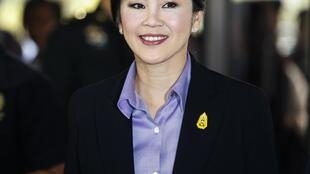 Thủ tướng Thái Lan Yingluck Shinawatra tới CLB Quân đội để dự cuộc họp Hội đồng quốc phòng, Bangkok, 20/12/2013