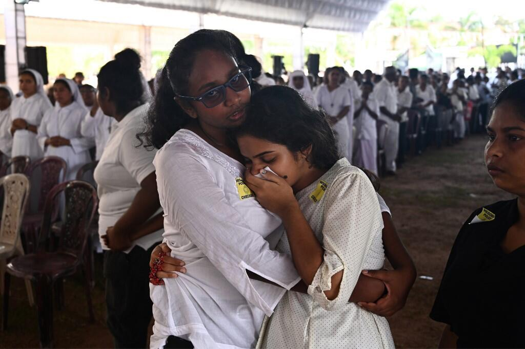 Familiares de las víctimas se juntaron en la iglesia San Sebastián de Negombo, este 23 de abril de 2019.