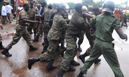 La police guinéenne a violemment réprimé les manifestants à Conakry le 28 septembre 2009.