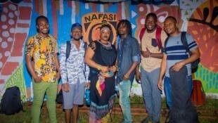 Wasanii wa Tulizo Bendi baada ya Tamasha