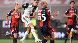 L'attaquant portugais de la Juventus, Cristiano Ronaldo, buteur lors du match de Serie A à Gênes, le 30 juin 2020