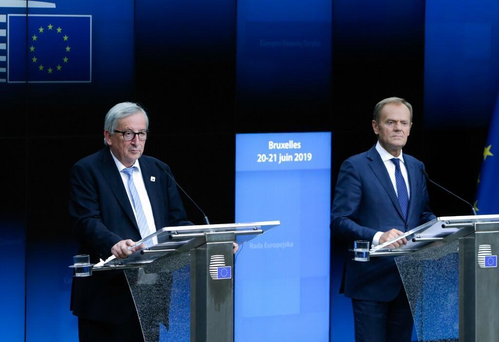 Chủ tịch Ủy Ban Châu Âu Jean-Claude Juncker (trái) và chủ tịch Hội Đồng Châu Âu Donald Tusk (phải) tại thượng đỉnh Bruxelles ngày 20/06/2019.n.