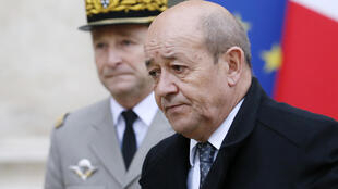 French Defence Minister Jean-Yves Le Drian with Chief of Staff Pierre de Villiers