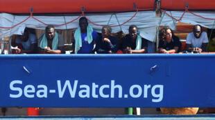 Les deux capitaines du Sea Watch 3, Carola Rackete et Pia Klemp, sont devenues le symbole du sauvetage des migrants en Méditerranée.