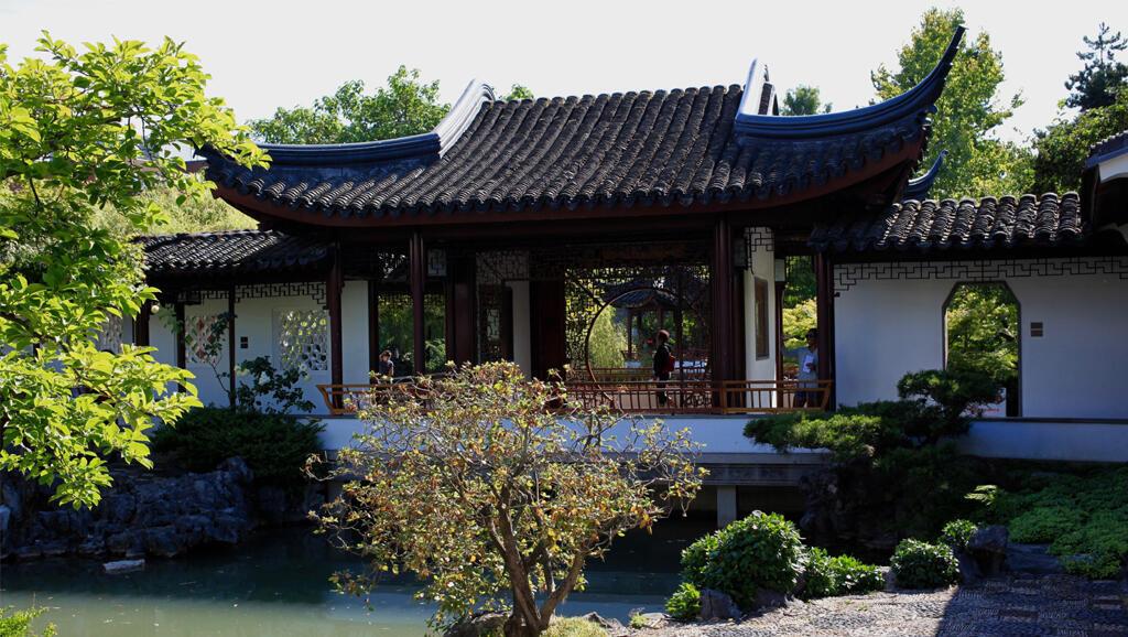 Dans la quiétude du jardin du docteur Sun Yat Sen, à Chinatown, Vancouver.
