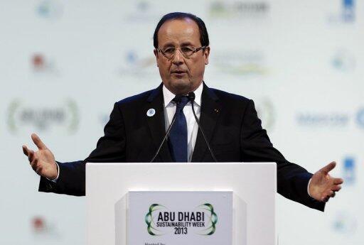 Tổng thống Pháp François Hollande phát biểu tại hội nghị thượng đỉnh về năng lượng tái tạo Abou Dhabi, 15/01/2013  (AFP)