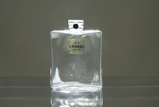 Chanel N°5 perfume bottle 1921_Galliera Museum_Paris
