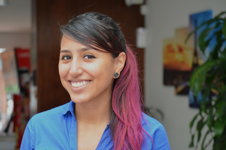 Alejandra Rodriguez, 22 ans, Colombienne aux cheveux teints en rose.