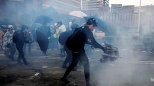 香港理工大学附近发生警民冲突 2019年11月17日