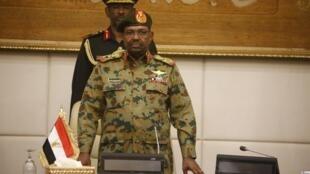 Le président Omar el-Béchir dans son palais présidentiel à Khartoum, le 24 février 2019.