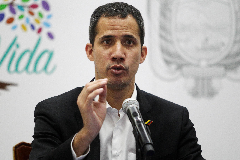 خوان گوایدو که بیش از ۵٠ کشور جهان او را به عنوان رئیس جمهوری موقت ونزوئلا به رسمیت شناختهاند، از طریق شبکههای اجتماعی بازگشت خود را به طرفداران خود خبر داد.