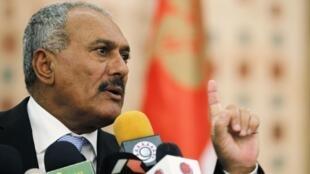 El presidente Saleh en una rueda de prensa en Saná, 21de febrero de 2011.