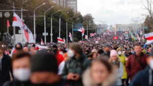 10月18日白俄罗斯首都明斯克反对卢卡申科示威资料图片
