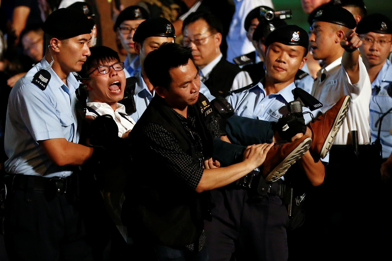 Lãnh tụ sinh viên Hồng Kông Hoàng Chi Phong bị cảnh sát bắt ngày 28/06/2017.
