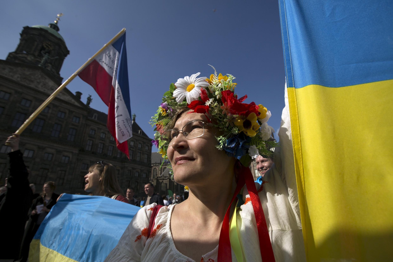 Сторонница референдума об ассоциации с Украиной. Амстердам, 3 апреля 2016