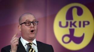 Paul Nuttall,  devient le troisième patron de l'Ukip en trois mois après la démission express en septembre de Diane James qui avait contraint Nigel Farage a revenir pour un bref intérim.