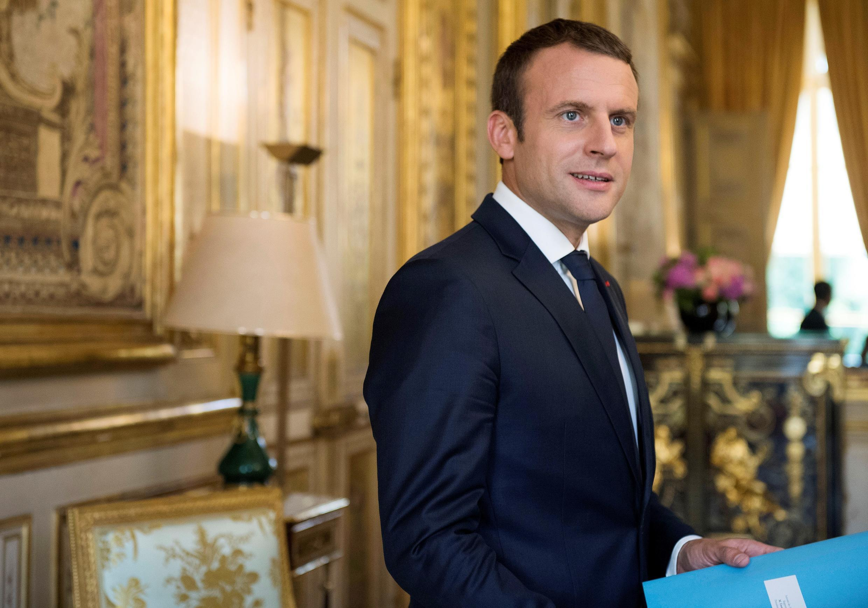 امانوئل ماکرون، رئیس جمهوری فرانسه، در کاخ الیزه