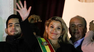 A senadora Jeanine Añez, política conservadora e quase desconhecida, assumiu a presidência da Bolívia nesta terça-feira, 12 de novembro de 2019.