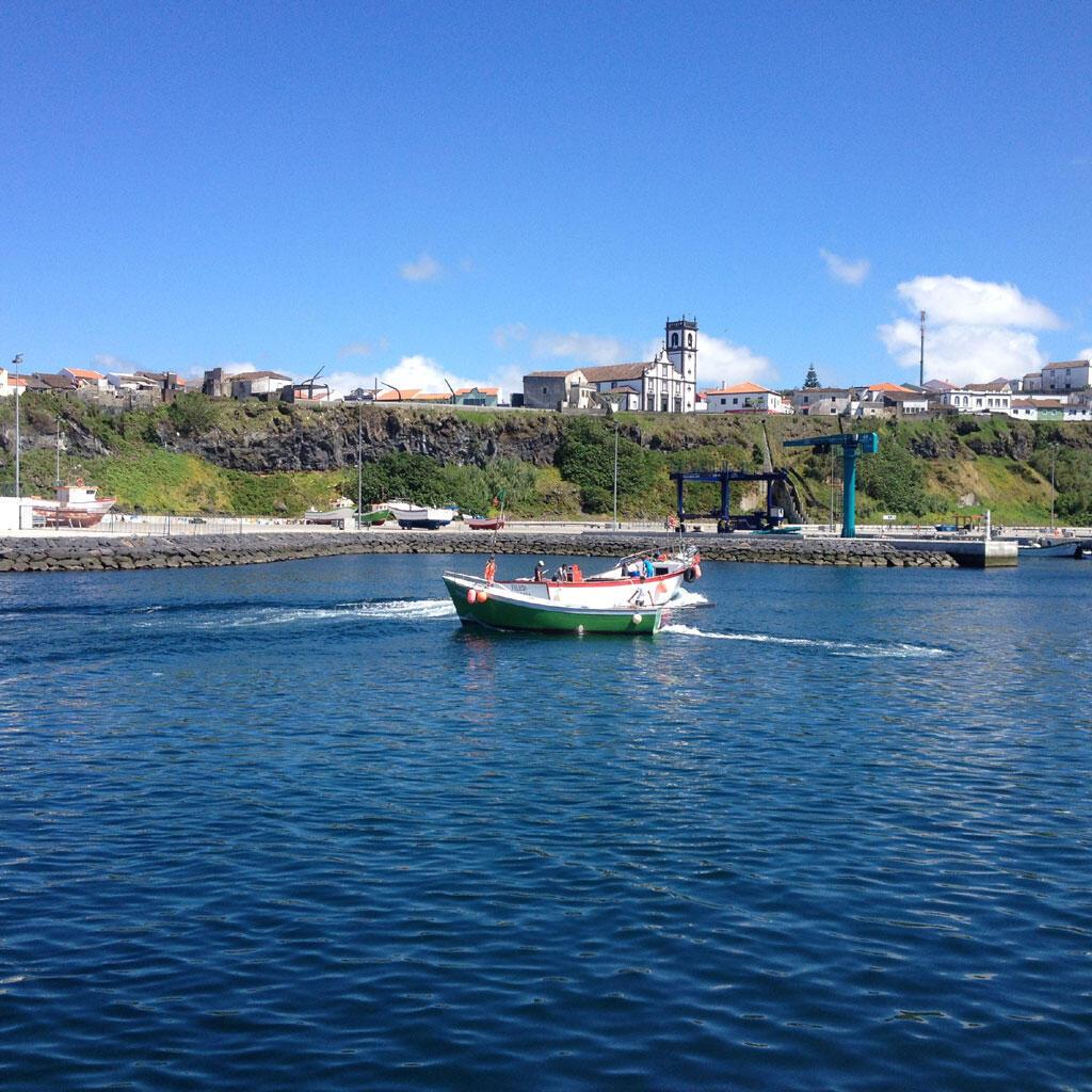 A Rabo de Peixe, aux Açores, les bateaux de pêches sont encore peu modernisés ce qui accentue les difficultés des pêcheurs.