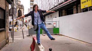 Lorine Lustig, estudiante francesa, su hobby es subir a los techos y fotografiar.