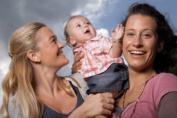 Лесбийская пара с ребенком