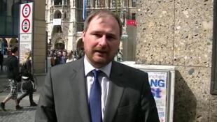 Ronan Le Gleut est candidat UMP aux élections législatives des 3 et 17 juin 2012 dans la septième circonscription des Français établis hors de France