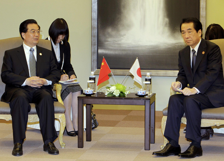 胡錦濤和菅直人在橫濱會談。