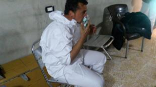 خان شیخون، در نزدیکی ادلب، روز سه شنبه ٤ آوریل/ ١٥ فروردین، قربانی انتشار گاز سمّی شد