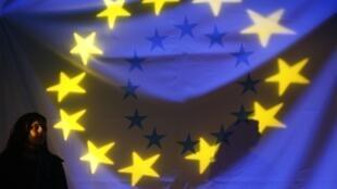 L'application du Traité de Lisbonne ne sera réellement effective qu'en début d'année 2010 mais les 27 vont devoir décider des derniers ajustements.