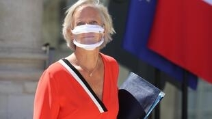 Proponents of transparent masks include French secretary of state for people with disabilities Sophie Cluzel