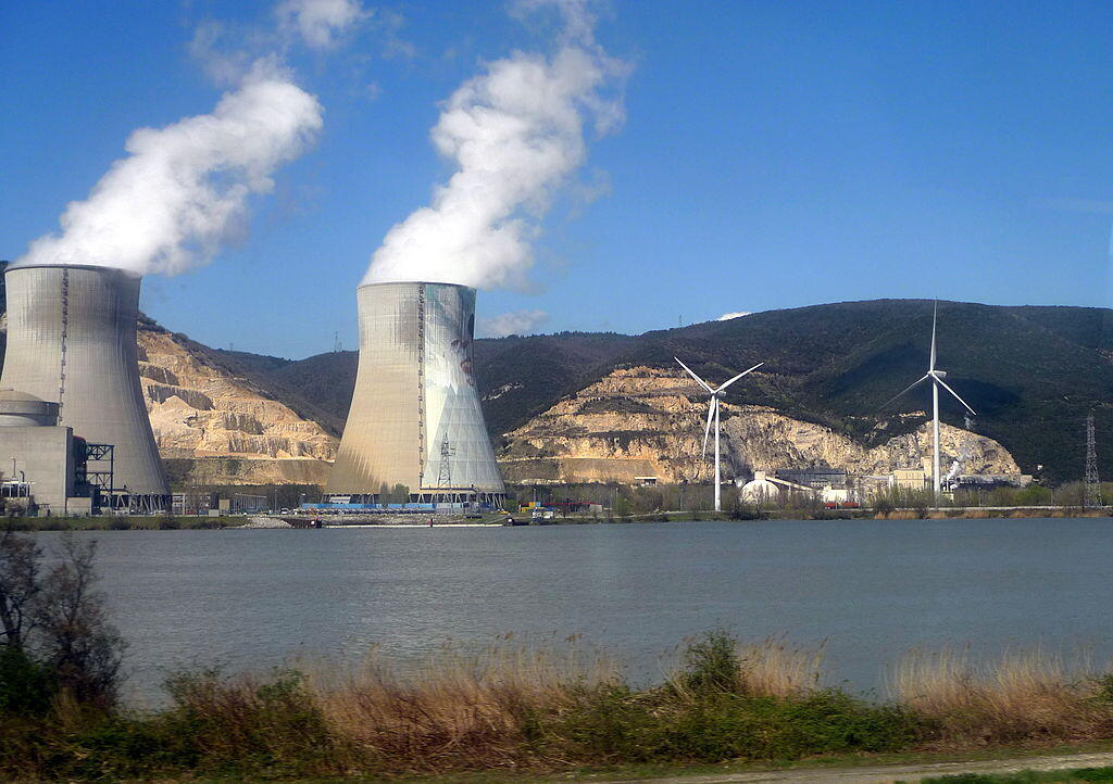 АЭС Крюас в департаменте Ардеш