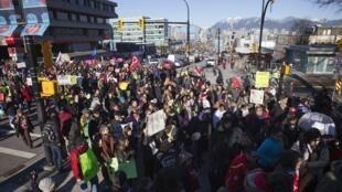 Rassemblement du mouvement «Idle No More» à City Hall, à Vancouver, le 11 janvier 2013.