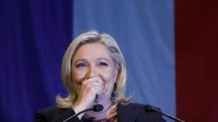 Le FN de Marine Le Pen compte désormais 420 conseillers au total dans les régions et les départements.